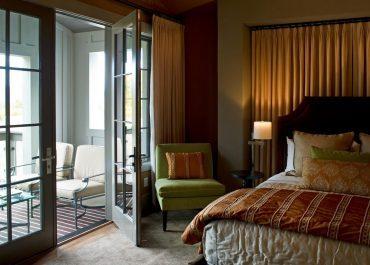 Decoração de Varanda: como escolher cortina para sacada?